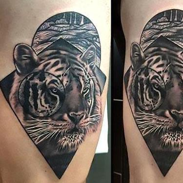 Beautiful Tiger Thigh Tattoo