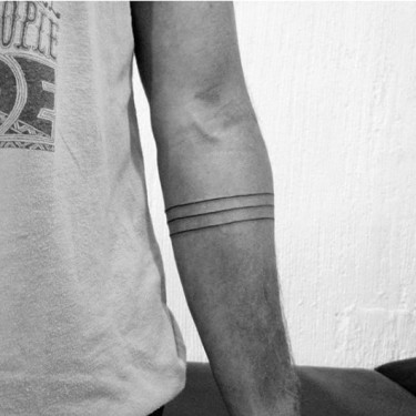 Minimalist Armband Black Ink Lines Tattoo