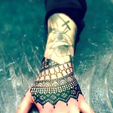 Hand Lace Tattoo