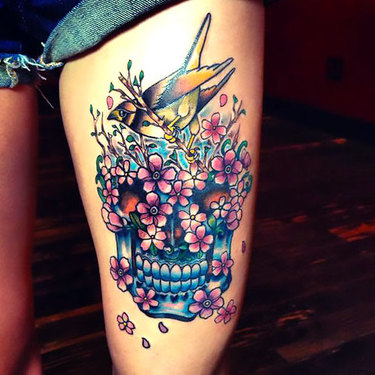 Skull on Thigh for Girl Tattoo