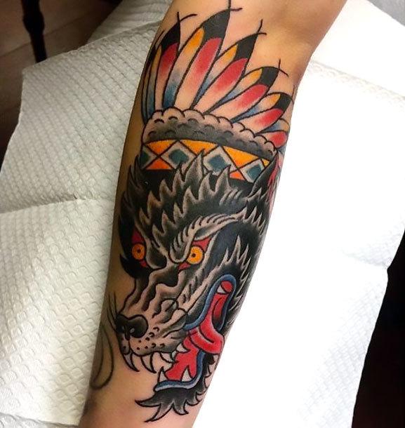 Traditional Wolf on Shin Tattoo Idea