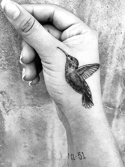 Awesome Hummingbird on Hand Tattoo Idea
