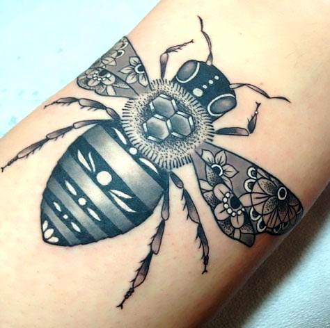 Amazing Bee Tattoo Idea