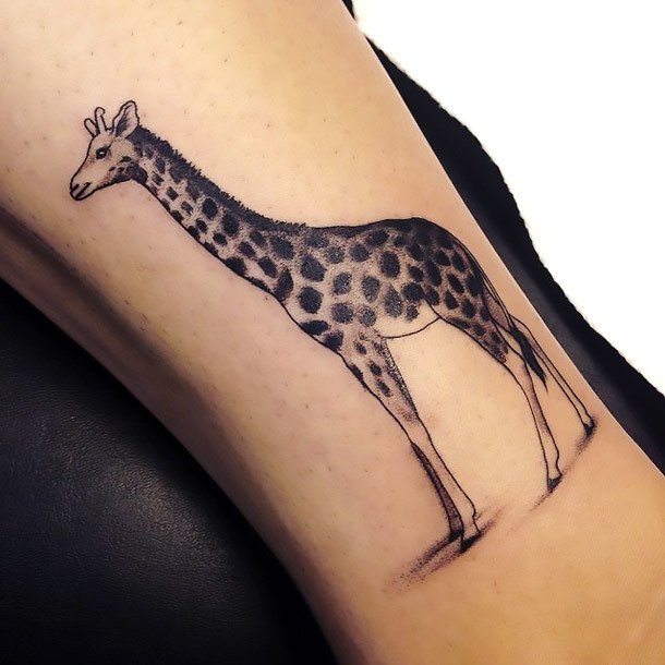 Elegant Girly Giraffe Tattoo Idea