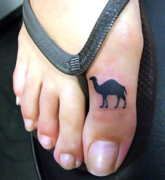 Cute Camel Hilhouette Toe Tattoo Idea