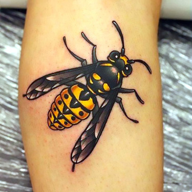 Realism Bee on The Arm Tattoo