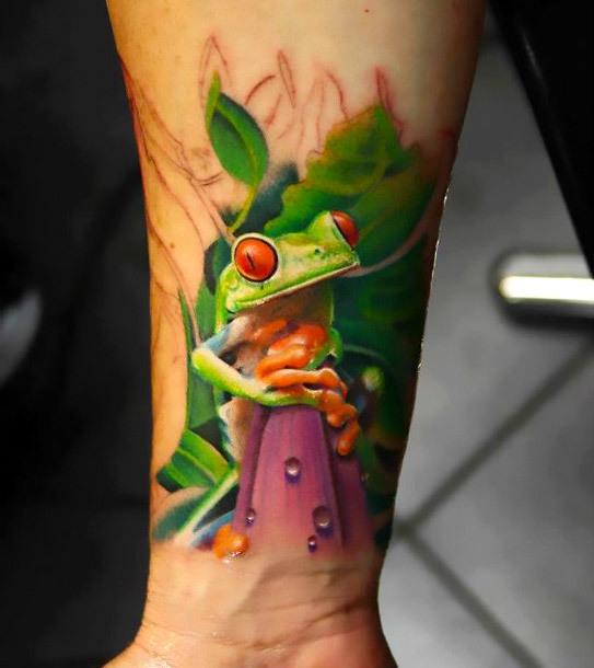 Realistic Sun Tree Frog Tattoo Idea