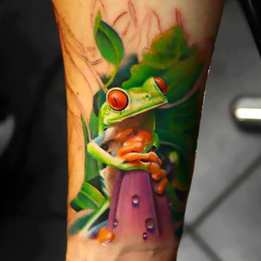 Realistic Sun Tree Frog Tattoo