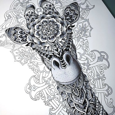 Amazing Pattern Giraffe Tattoo